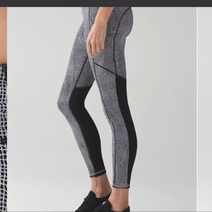 Lululemon Speed Tight V Fall Net White/Black